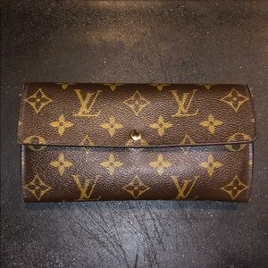 Authentic Luis Vuitton Wallet!!!
